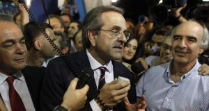 New Democracy leader Antonis Samaras (centre)